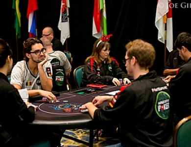 Россия прошла в ТОП-16 World Cup of Poker