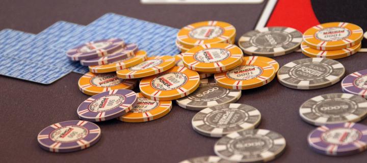 Где можно поиграть в покер за кэш-столами? Лучшие покер-румы для игры на кэш