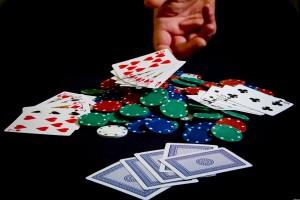 gambling_4c6ea99db96a6_hires (1)