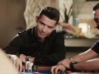 Криштиану Роналду играет в High Stakes покер в Мельбурне