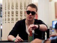 Роман Романовский выиграл два турнира 888Poker в воскресенье