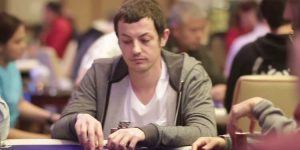 За одну раздачу Том Дван проиграл 2 350 000$ Полу Фуа